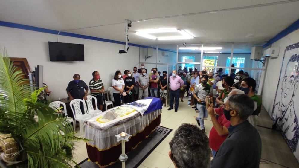 POPULAÇÃO SAPEENSE DÁ O ÚLTIMO ADEUS AO RADIALISTA CAMILO DE LELLIS