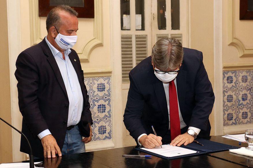 Ministro e Governador assinam liberação de R$ 30,7 milhões para obras hídricas e conclusão da Transposição na Paraíba