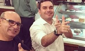 Caso Queiroz: Promotoria do RJ crava que Flávio é líder de organização