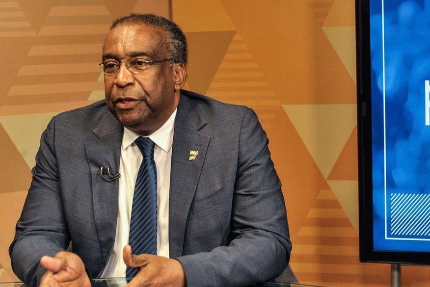 Ministro da Educação copiou ao menos quatro trechos de outras teses em mestrado