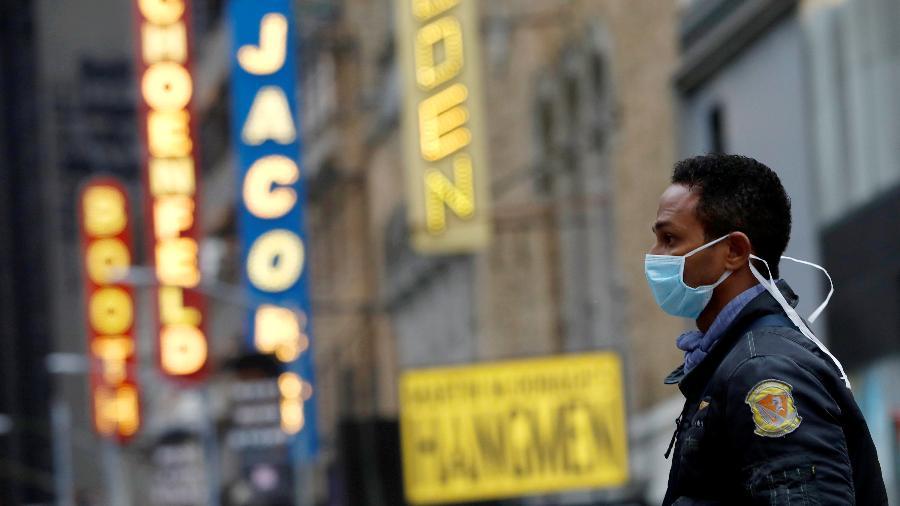 Indústria do entretenimento dos EUA demitiu 1,3 milhão em um mês