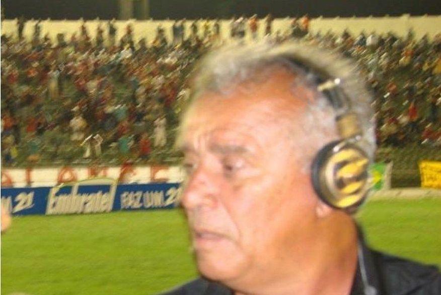 Morre jornalista João de Souza, vítima de covid-19