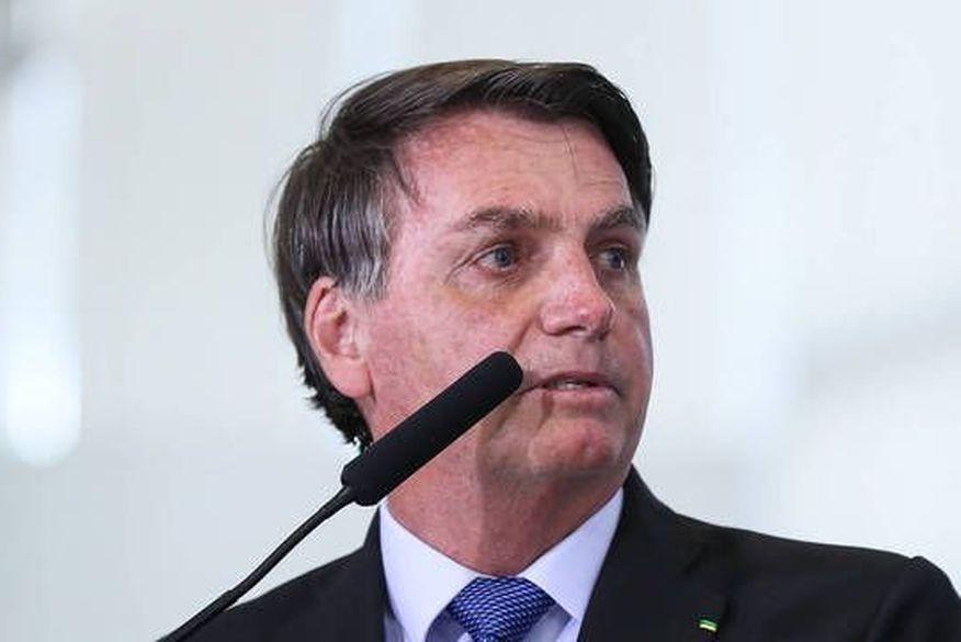 Presidente Bolsonaro veta proposta que suspende inclusão de nomes no SPC e Serasa