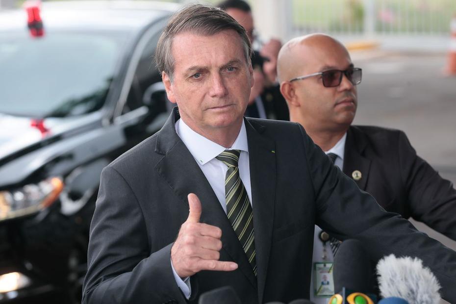 Bolsonaro desiste de churrasco após ironia e recorde de mortes por Covid-19